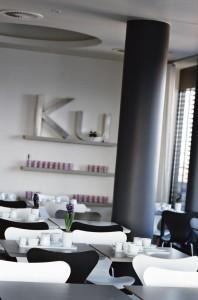 Arne Jacobsens Serie 7 im Frühstücksraum des Ku' Damm 101