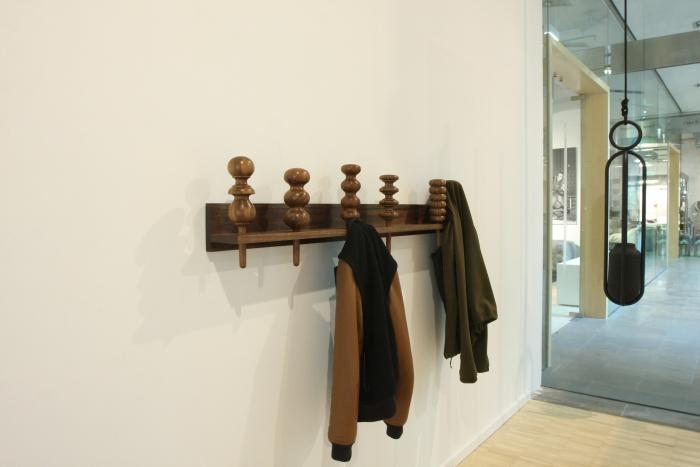 Garderobe & Blumenampel von Zascho Petkow, 31 Tage Goden Tips stilwerk Berlin