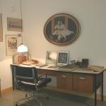 Verhüllt vom Nebel der Zeit... und hinter Glas. Charles Eames' Schreibtisch