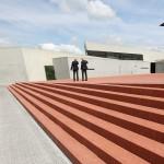 Rolf Fehlbaum & Jacques Herzog bewundern Zara Hadid's Feuerwehrhaus.....