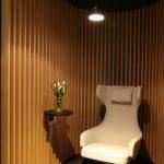 Grand Repos Lounge Sessel von Antonio Citterio für Vitra und Kaari Shelf von Ronan & Erwan Bouroullec für Artek, gesehen bei NeoCon Chicago 2016
