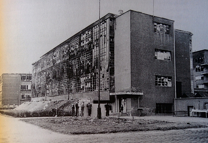 Bauhaus Dessau, following the 1945 Allied bombing of Dessau (Source https://commons.wikimedia.org)