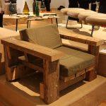 Beam armchair mit Kissen von Piet Hein Eek, gesehen bei Pure Gold. Upcycled! Upgraded!, Museum für Kunst Gewerbe Hamburg