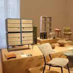 Neue Hybride Newspaperwood Stuhl von Mieke Meijer  and Newspaperwood Framed Cabinet von Breg Hanssenl, gesehen bei Pure Gold. Upcycled! Upgraded!, Museum für Kunst Gewerbe Hamburg