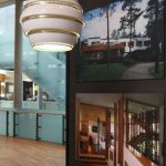 """A331 Beehive & Villa Mairea von Alvar Aalto, gesehen bei """"Echoes - 100 Years in Finnish Design and Architecture"""", Felleshus, Nordische Botschaften, Berlin"""
