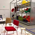 """Jamil von Local Industries (l) und Edie von Opendesk (r), gesehen bei """"After the Wall. Design seit 1989"""", Vitra Design Museum Schaudepot"""
