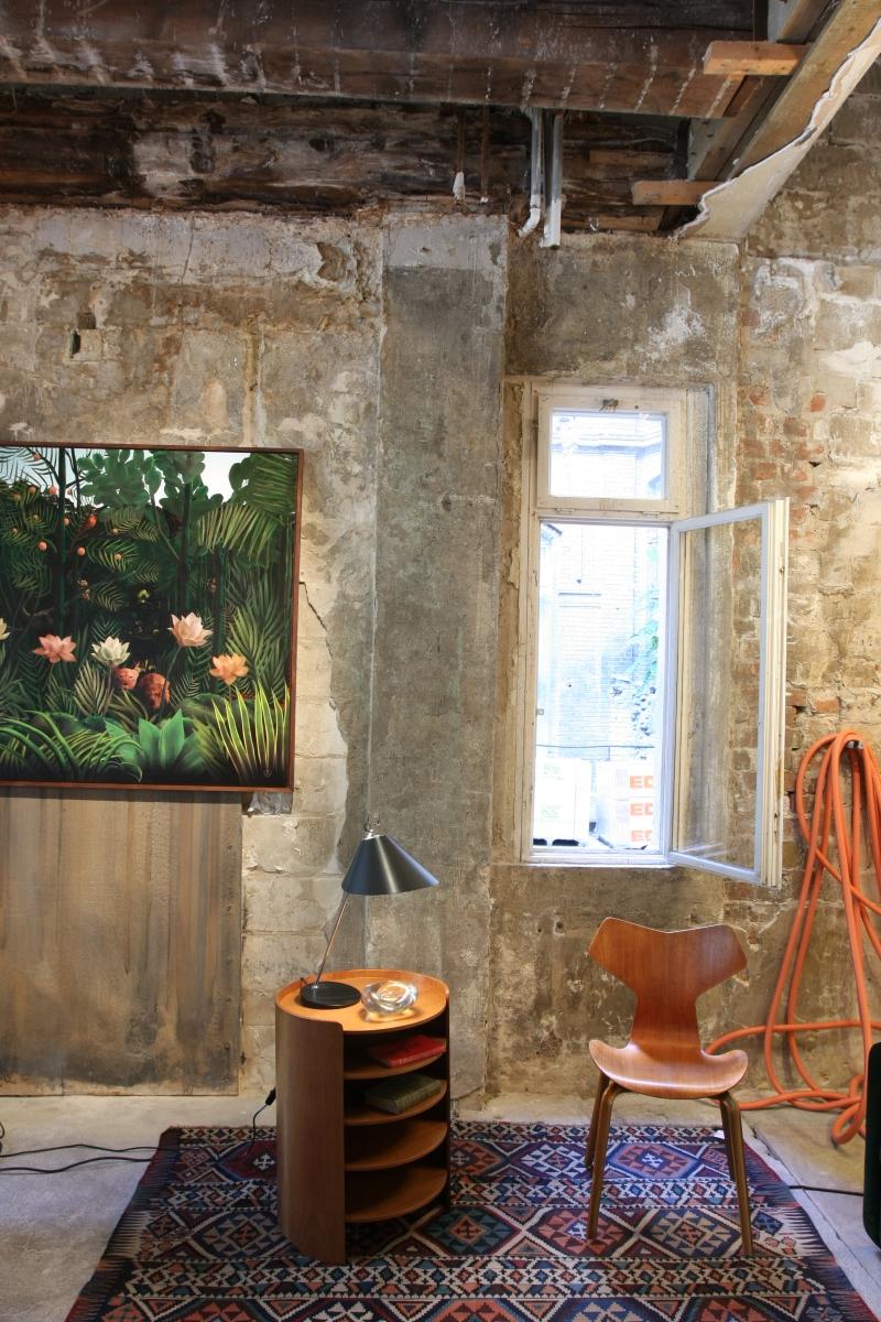 between time eine kuratierte pr sentation hochwertiger kunst einrichtungs und. Black Bedroom Furniture Sets. Home Design Ideas