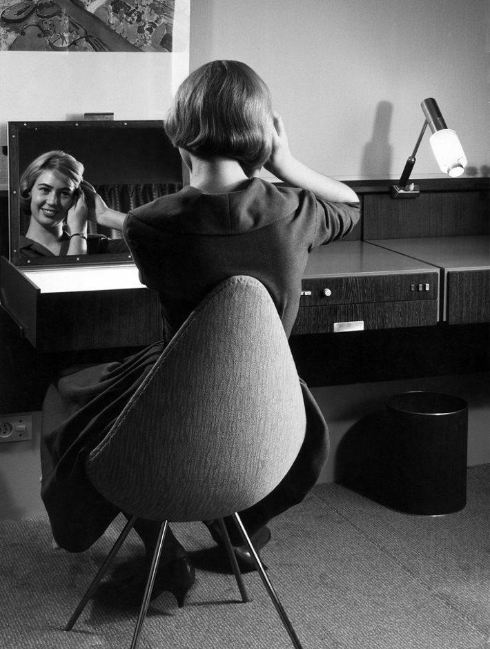 arne jacobsen designerm bel von. Black Bedroom Furniture Sets. Home Design Ideas