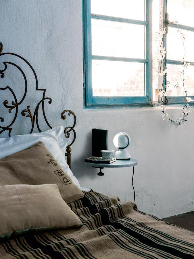 artemide eclisse von vico magistretti 1967 designerm bel. Black Bedroom Furniture Sets. Home Design Ideas