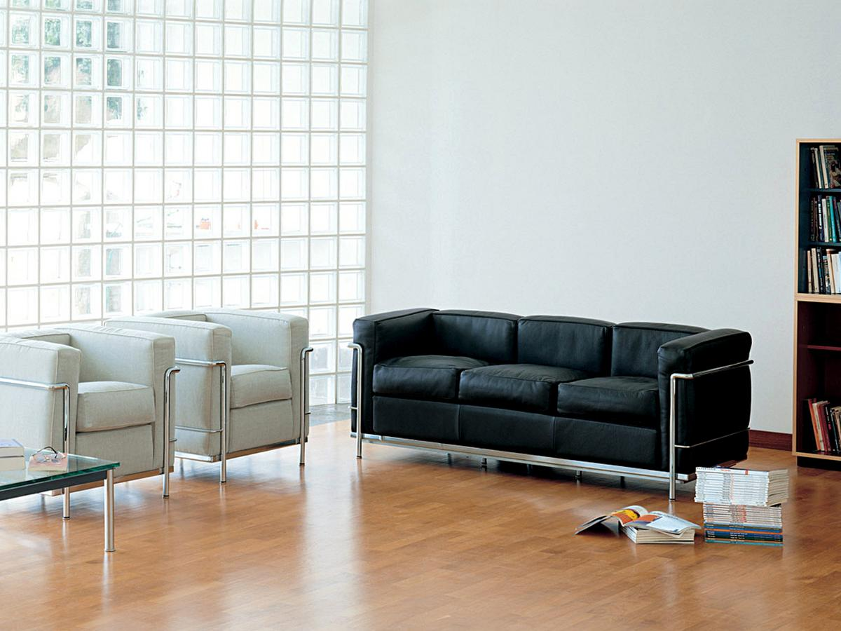 cassina lc2 sofa von le corbusier pierre jeanneret. Black Bedroom Furniture Sets. Home Design Ideas