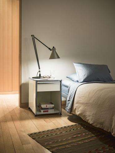 usm haller tische designerm bel von. Black Bedroom Furniture Sets. Home Design Ideas