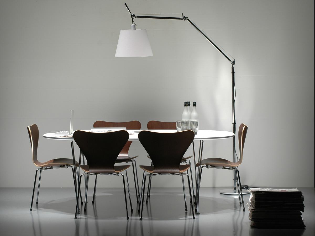 piet hein tisch von piet hein bruno mathsson arne jacobsen 1968 designerm bel von. Black Bedroom Furniture Sets. Home Design Ideas