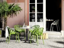 Designermöbel · Hersteller · Vitra · Stühle. Previous. Produkte Entdecken