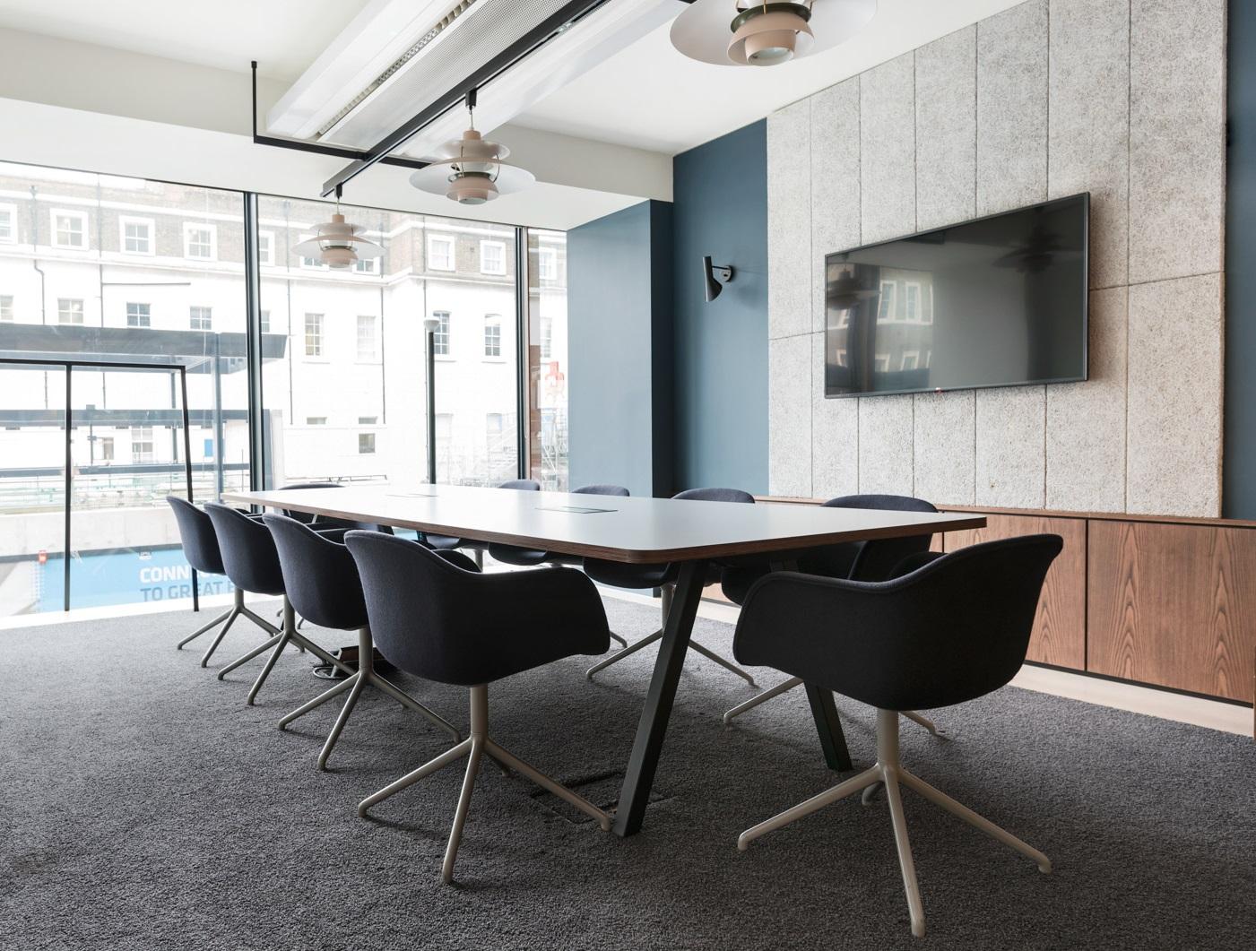 wie licht zum wohlbefinden am arbeitsplatz beitr gt worauf es beim licht ankommt. Black Bedroom Furniture Sets. Home Design Ideas