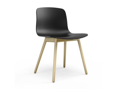 About A Chair AAC 12 schwarz|Eiche klar lackiert