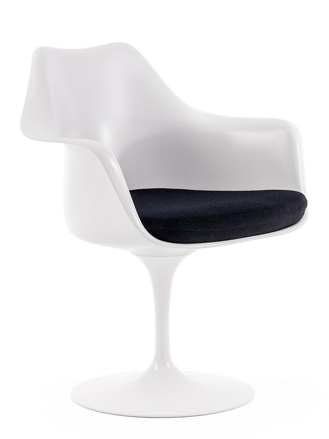 knoll international saarinen tulip armlehnstuhl von eero saarinen 1955 1957 designerm bel von. Black Bedroom Furniture Sets. Home Design Ideas