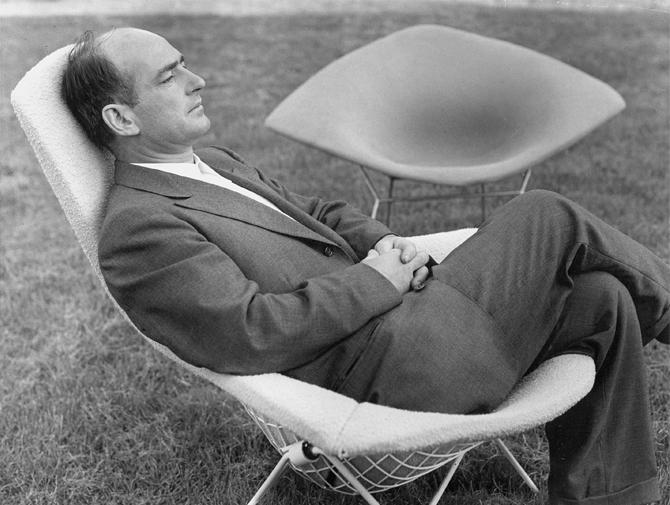 knoll international diamond chair by harry bertoia 1952 designer furniture by. Black Bedroom Furniture Sets. Home Design Ideas