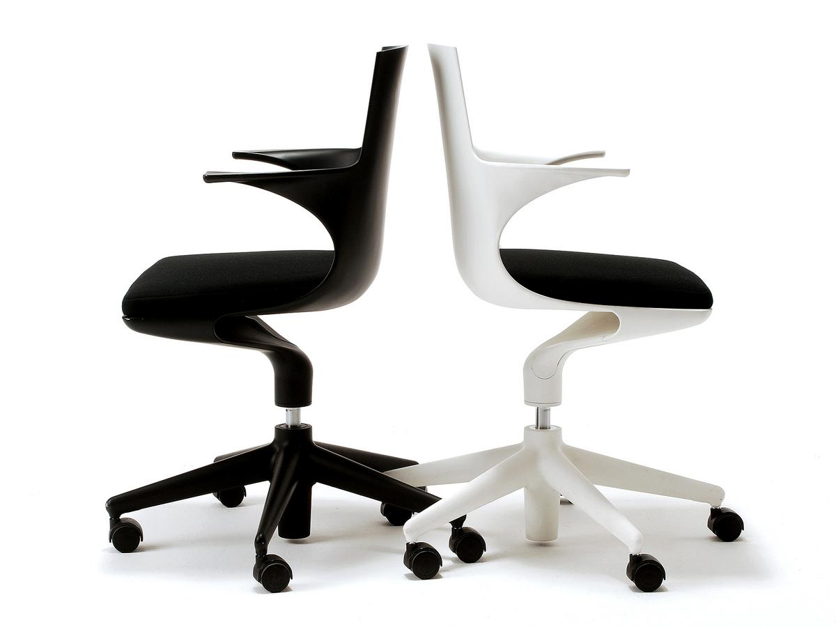 kartell spoon chair gestell wei kissen schwarz von antonio citterio toan nguyen. Black Bedroom Furniture Sets. Home Design Ideas