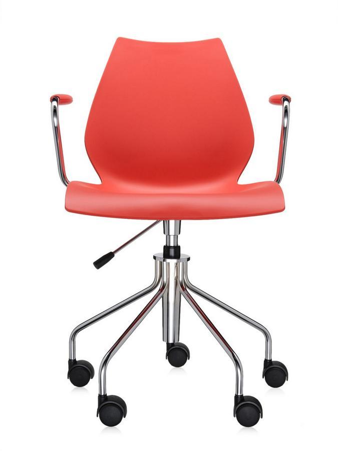 kartell maui drehstuhl mit armlehnen purpurrot von vico magistretti designerm bel von. Black Bedroom Furniture Sets. Home Design Ideas