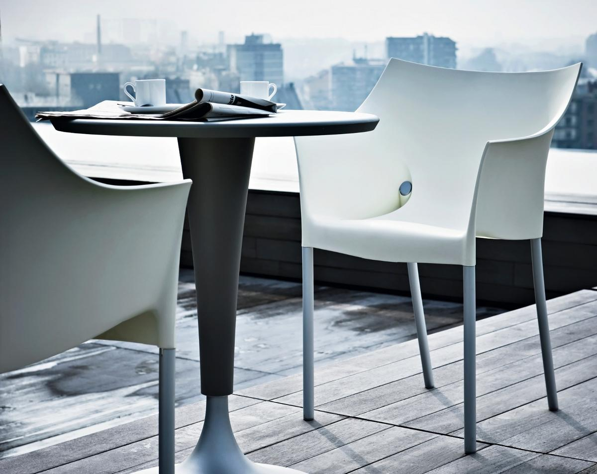 kartell dr no by philippe starck  designer furniture by smowcom - dr no from kartell invites you to sit for all outdoors