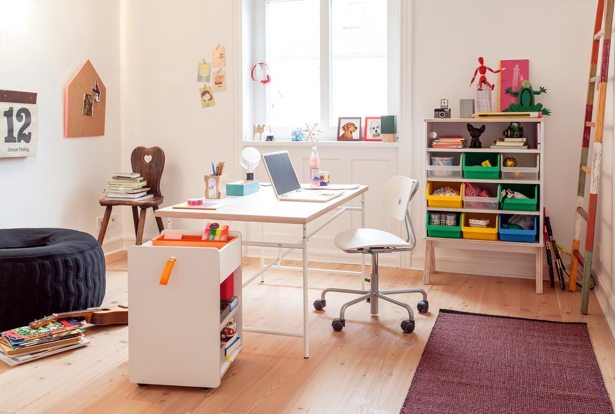 richard lampert kinderstuhl turtle von peter horn 2005. Black Bedroom Furniture Sets. Home Design Ideas