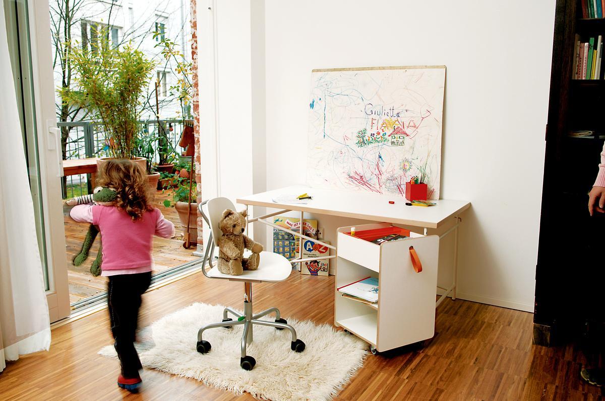 richard lampert kindercontainer fixx von peter horn 2006 designerm bel von. Black Bedroom Furniture Sets. Home Design Ideas