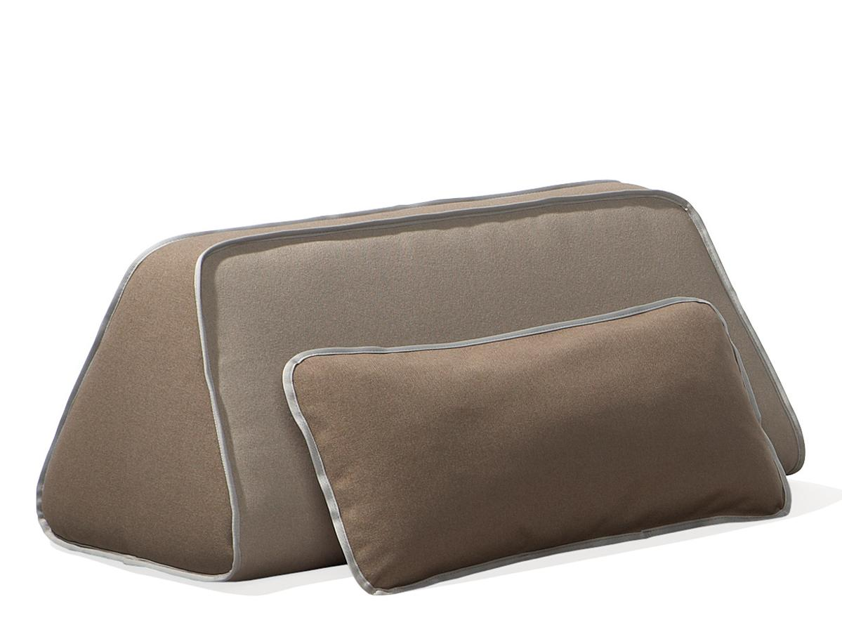 kopfkissen mit wasserf llung schlafzimmer gem tlicher gestalten kronleuchter modern blumen im. Black Bedroom Furniture Sets. Home Design Ideas