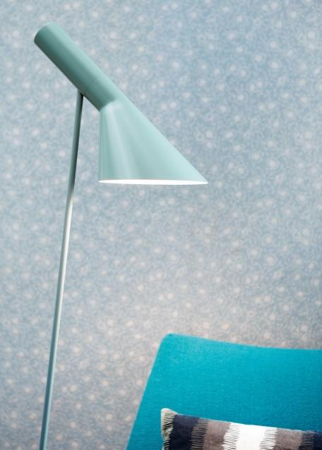louis poulsen aj standing lamp by arne jacobsen 1960. Black Bedroom Furniture Sets. Home Design Ideas