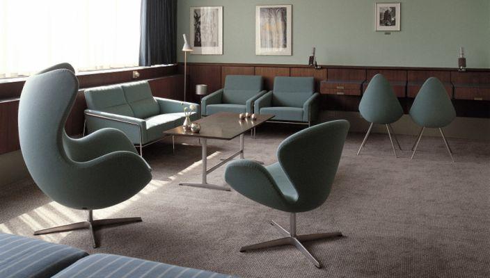 aj stehleuchte von arne jacobsen 1960 designerm bel von. Black Bedroom Furniture Sets. Home Design Ideas