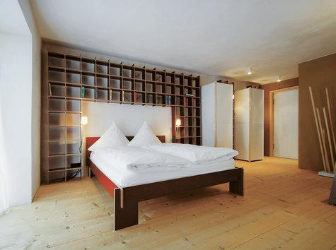 nils holger moormann siebenschl fer von christoffer. Black Bedroom Furniture Sets. Home Design Ideas