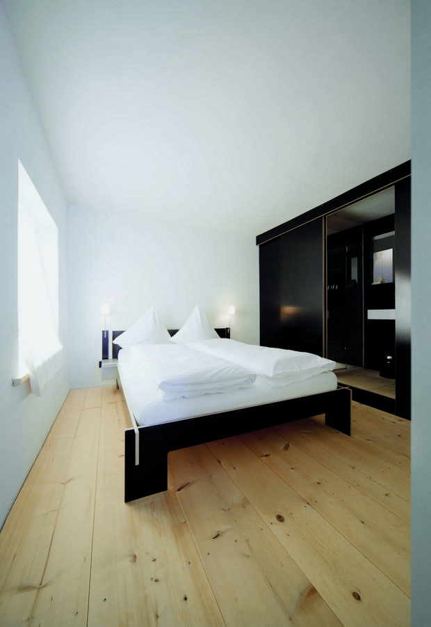 nils holger moormann siebenschl fer von christoffer martens 2007 designerm bel von. Black Bedroom Furniture Sets. Home Design Ideas