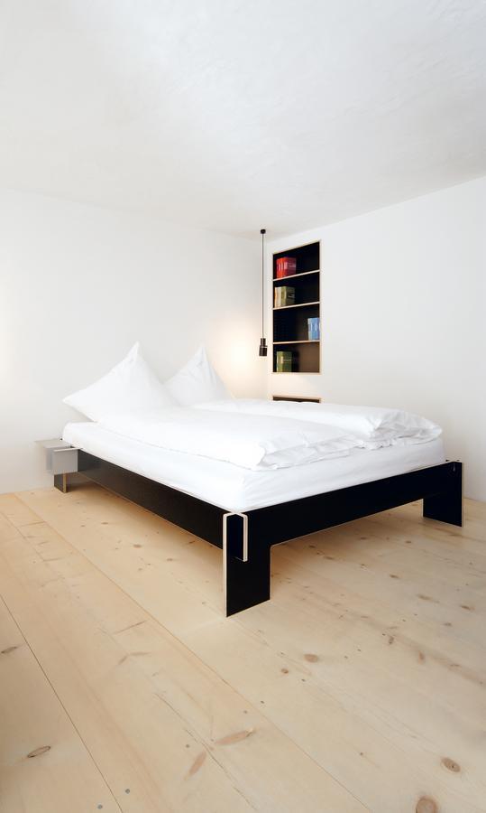 nils holger moormann siebenschl fer von christoffer martens 2007 designerm bel von. Black Bedroom Furniture Sets. Home Design Ideas