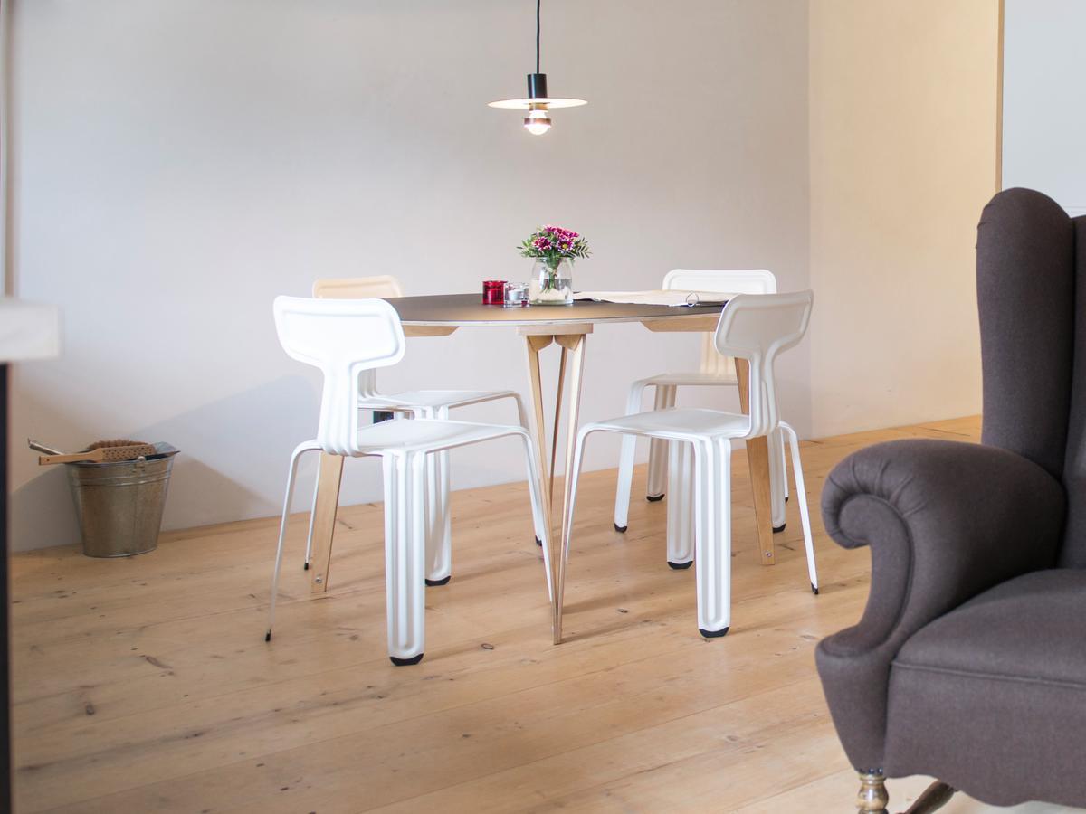 nils holger moormann sparondo esstisch 86 cm fu sperrholz birke laminat wei seidenmatt. Black Bedroom Furniture Sets. Home Design Ideas