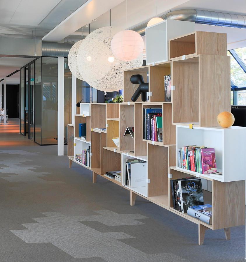 muuto stacked regalmodul von julien de smedt 2012 designerm bel von. Black Bedroom Furniture Sets. Home Design Ideas