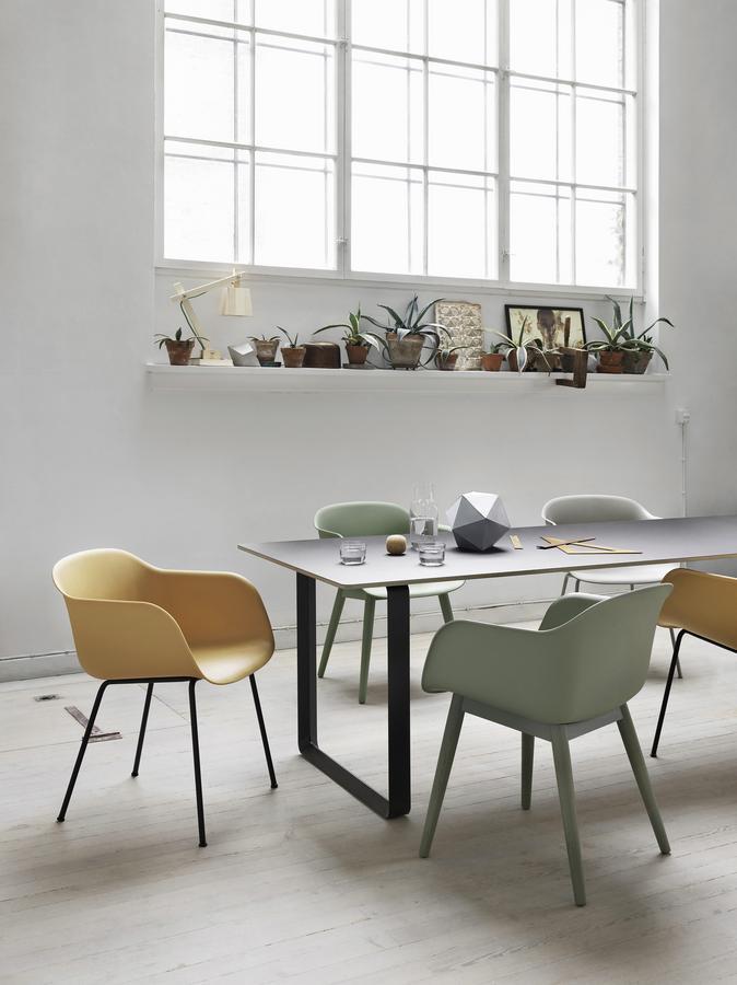 muuto fiber armlehnenstuhl von iskos berlin 2014 designerm bel von. Black Bedroom Furniture Sets. Home Design Ideas