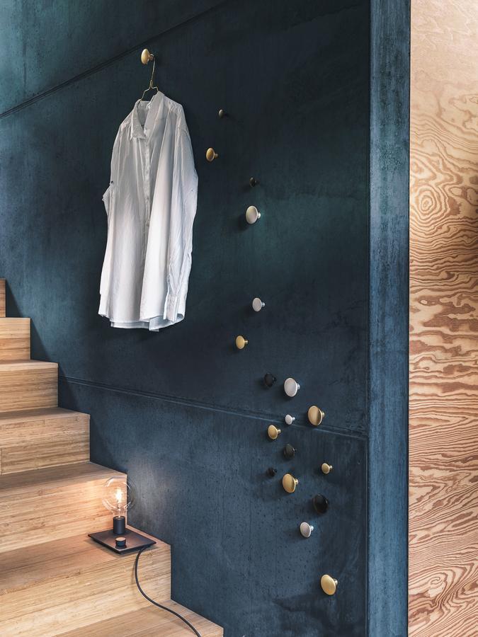 muuto the dots metal 5er set von lars torn e 2016 designerm bel von. Black Bedroom Furniture Sets. Home Design Ideas