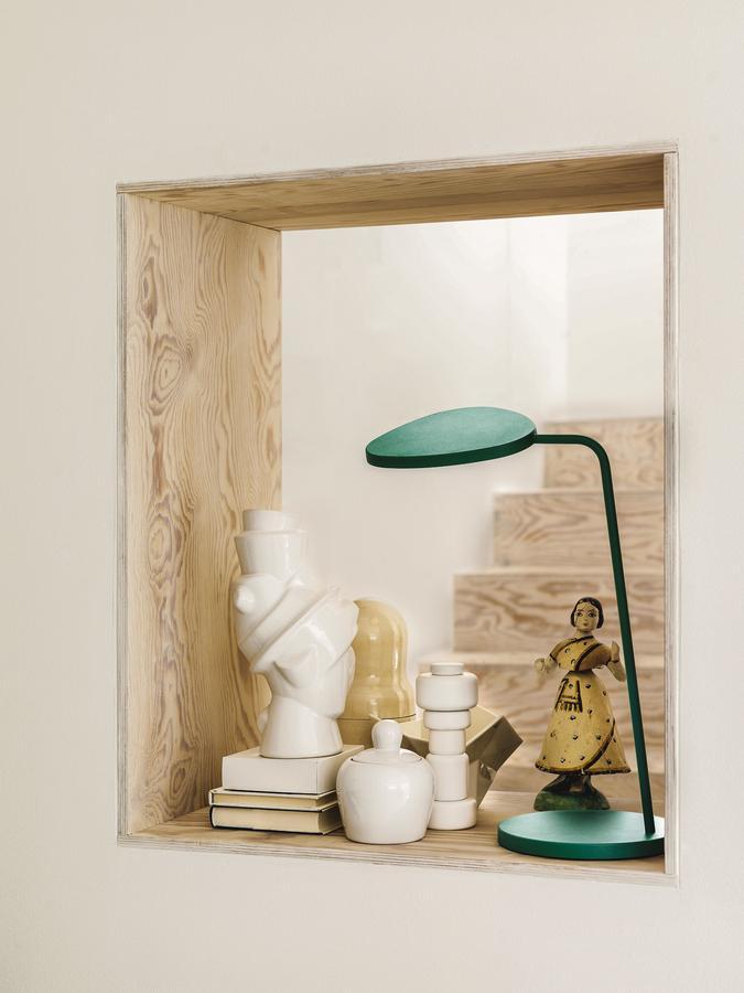 muuto leaf tischleuchte von broberg ridderstr le 2012 designerm bel von. Black Bedroom Furniture Sets. Home Design Ideas