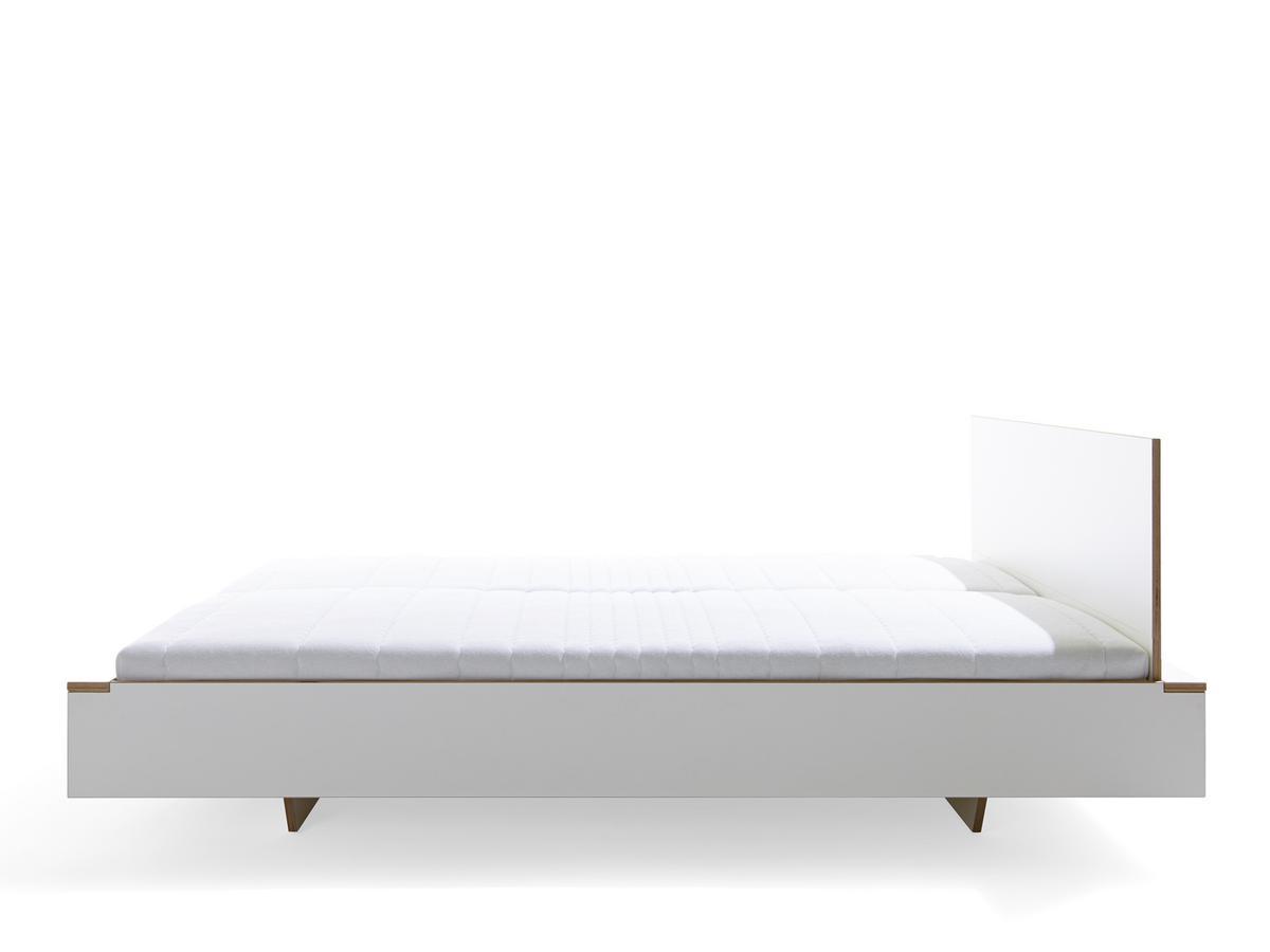 Muller Mobelwerkstatten Flai Bett Von Kaschkasch 2015
