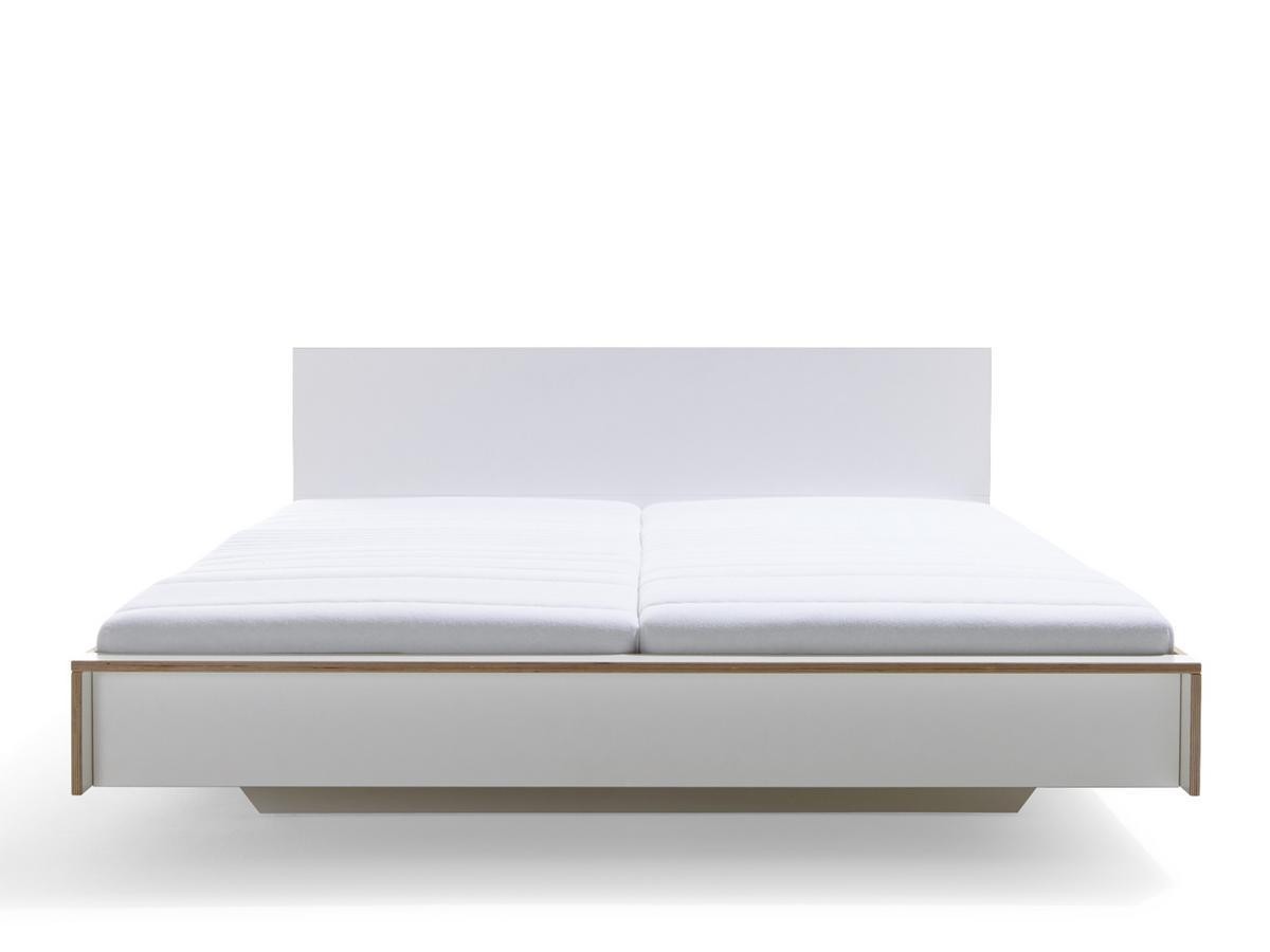 m ller m belwerkst tten flai bett 160 x 200 mit kopfteil wei ohne lattenrost von kaschkasch. Black Bedroom Furniture Sets. Home Design Ideas