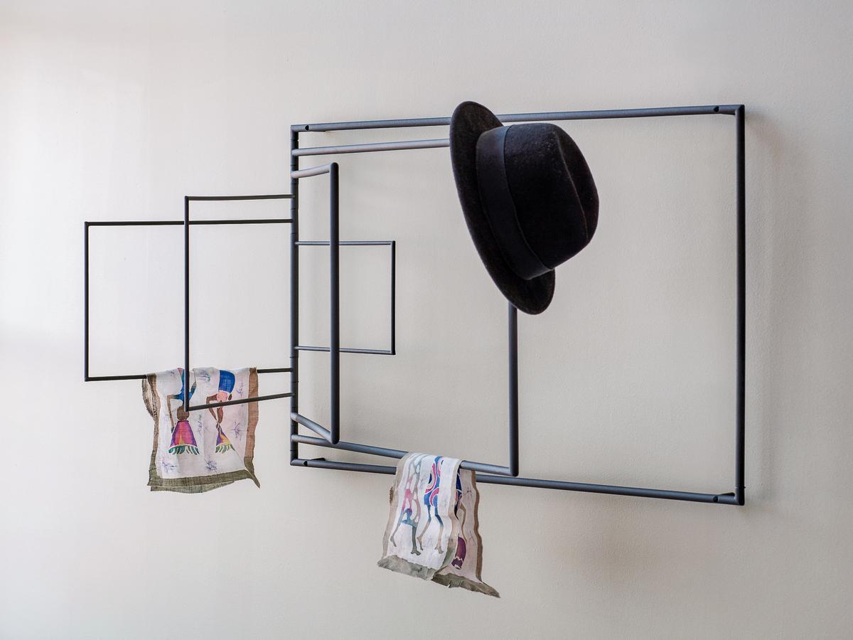 Northern Frame Wäschegestell von Cecilia Xinyu Zhang, 2018 ...