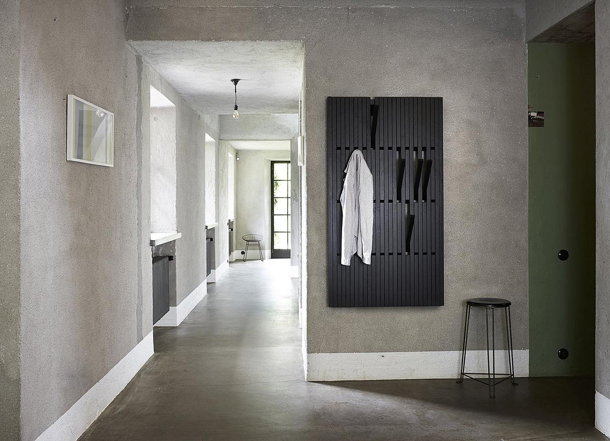 Peruse piano garderobe von patrick seha designerm bel for Garderobe nussbaum schwarz