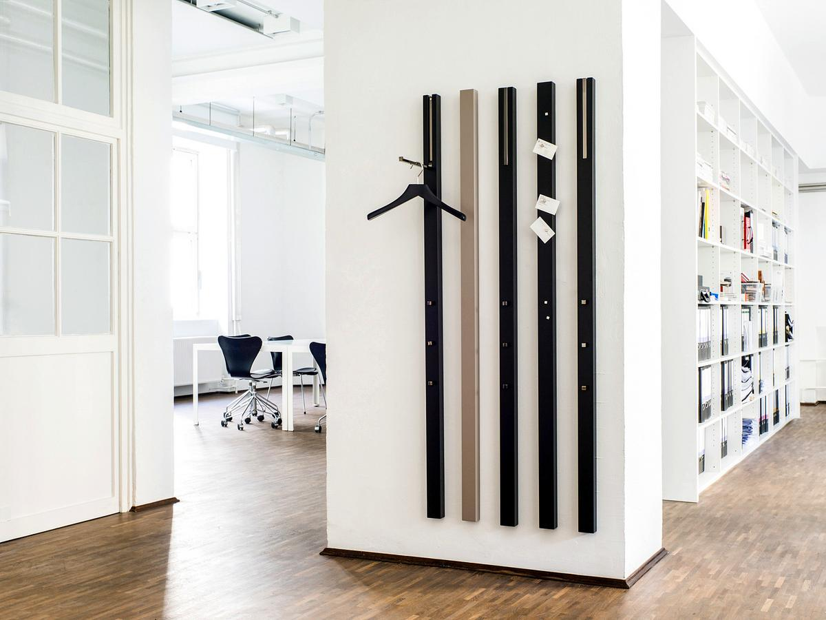 sch nbuch line garderobe von apartment 8 designerm bel von. Black Bedroom Furniture Sets. Home Design Ideas