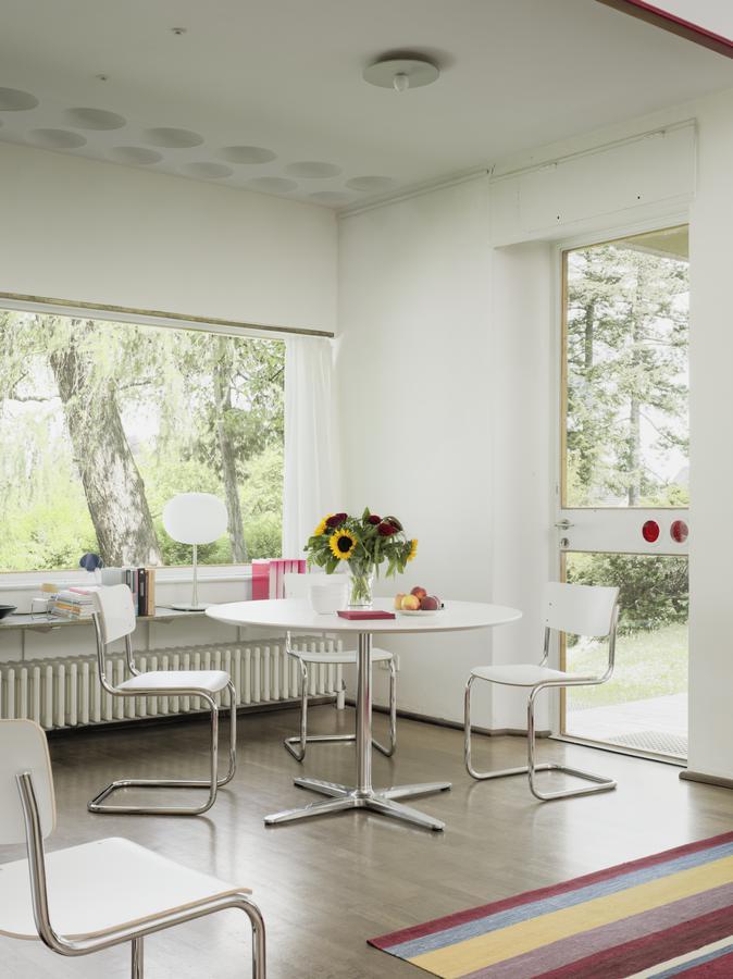 thonet esstisch a 1660 von james irvine von james irvine 2004 designerm bel von. Black Bedroom Furniture Sets. Home Design Ideas