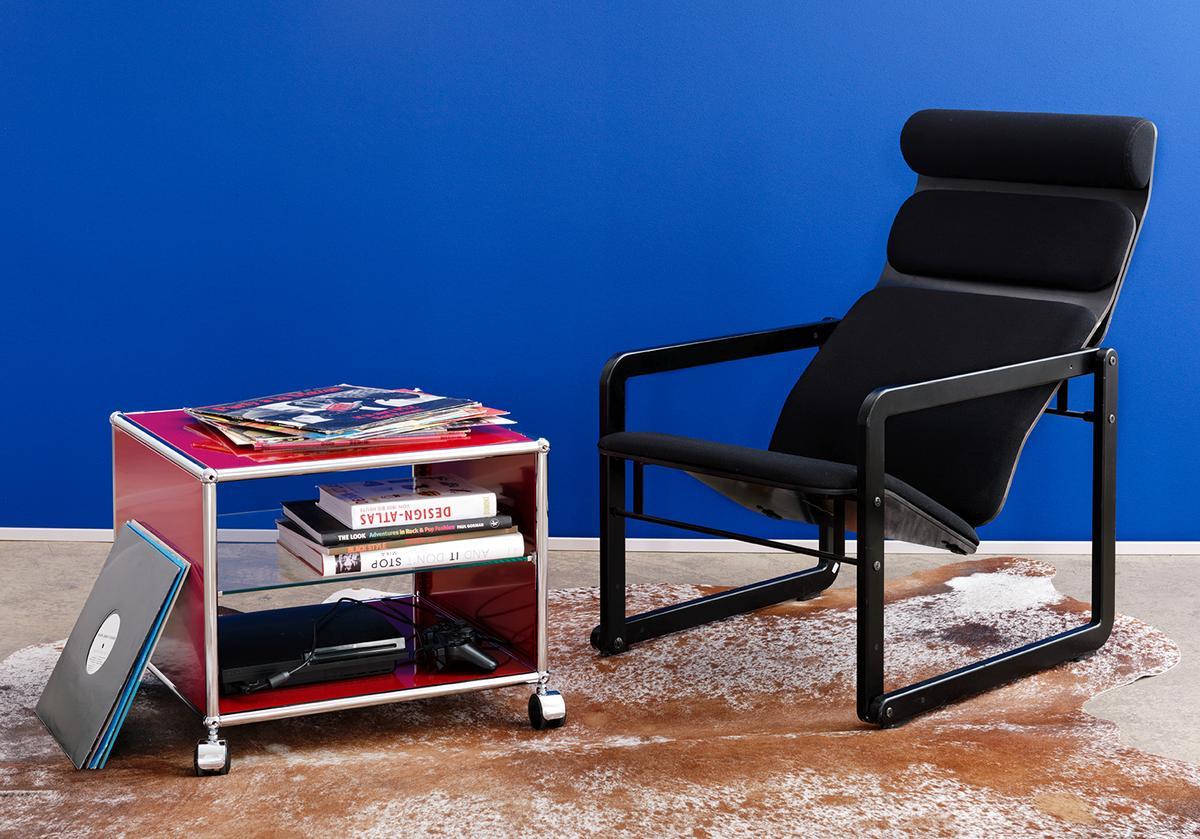 usm haller beistelltisch mit seitenw nden von fritz haller. Black Bedroom Furniture Sets. Home Design Ideas