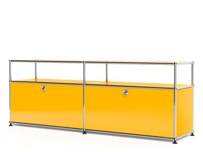 USM Haller Lowboard L mit Aufbau, individualisierbar Goldgelb RAL 1004|Mit 2 Klappen|Mit Kabeldurchlass unten mittig