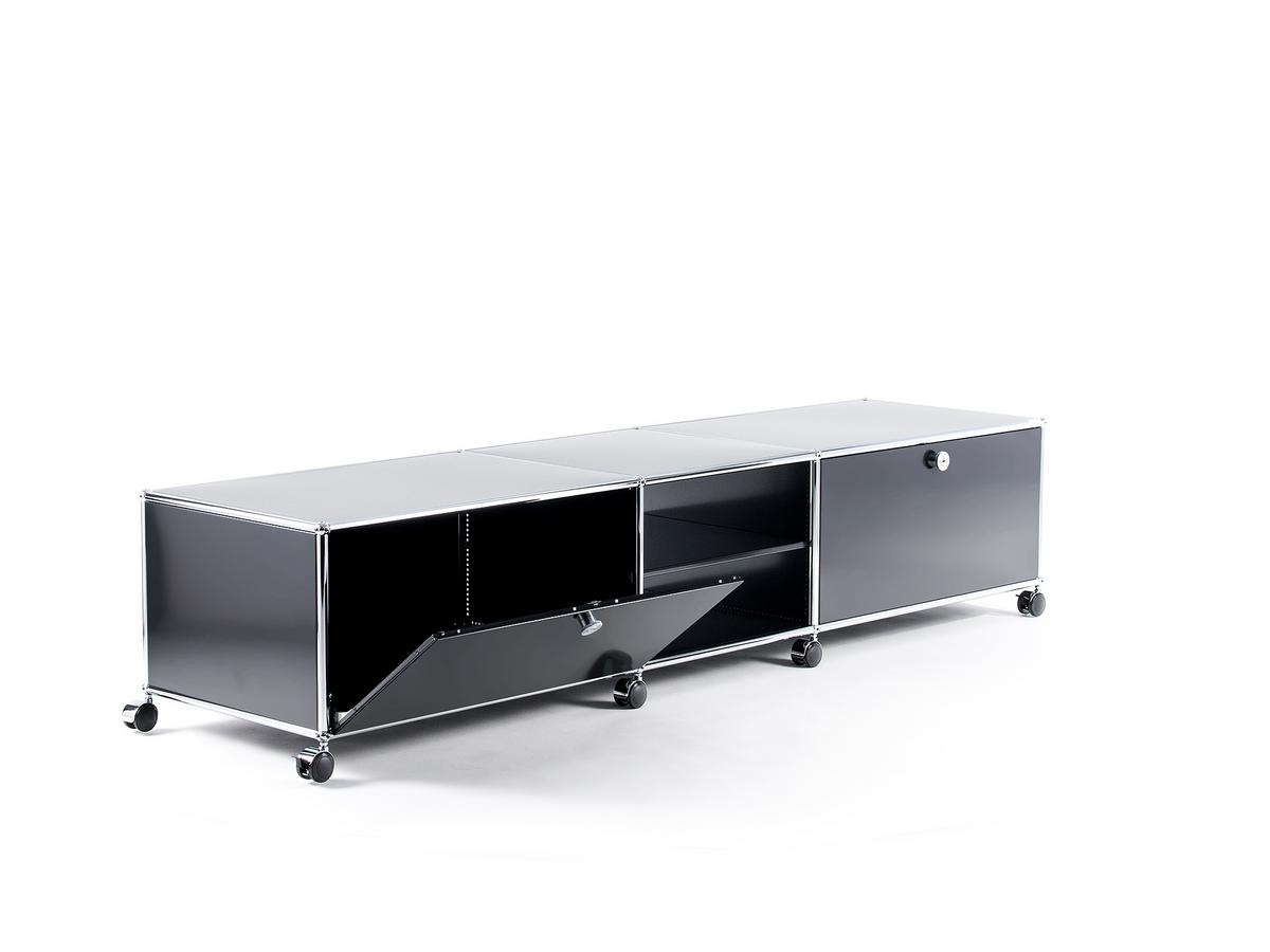 usm haller tv lowboard xl auf rollen von fritz haller paul sch rer designerm bel von. Black Bedroom Furniture Sets. Home Design Ideas