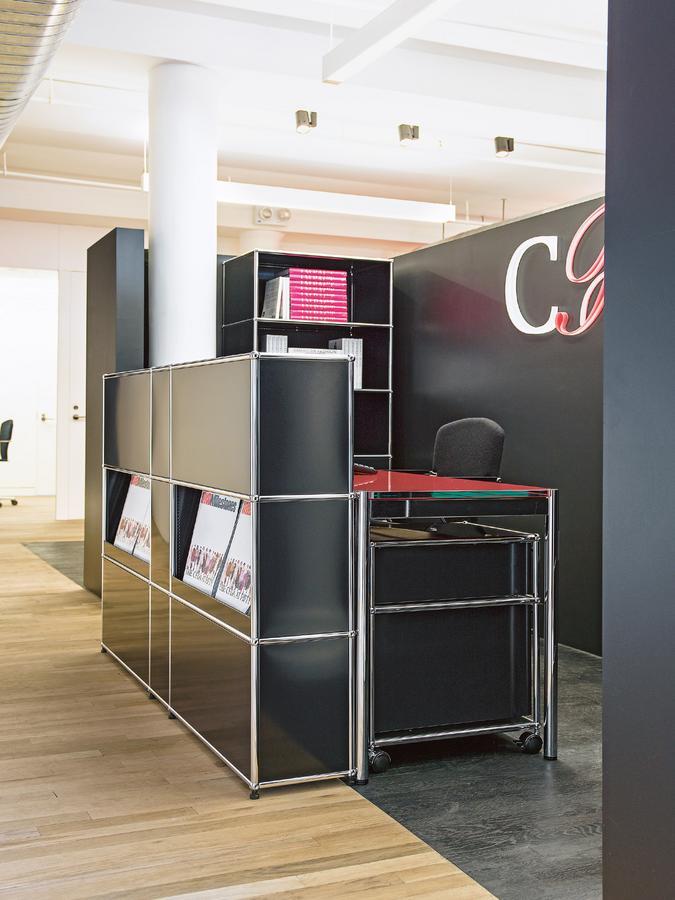 usm haller theke typ 2 mit schr gtablaren von fritz. Black Bedroom Furniture Sets. Home Design Ideas