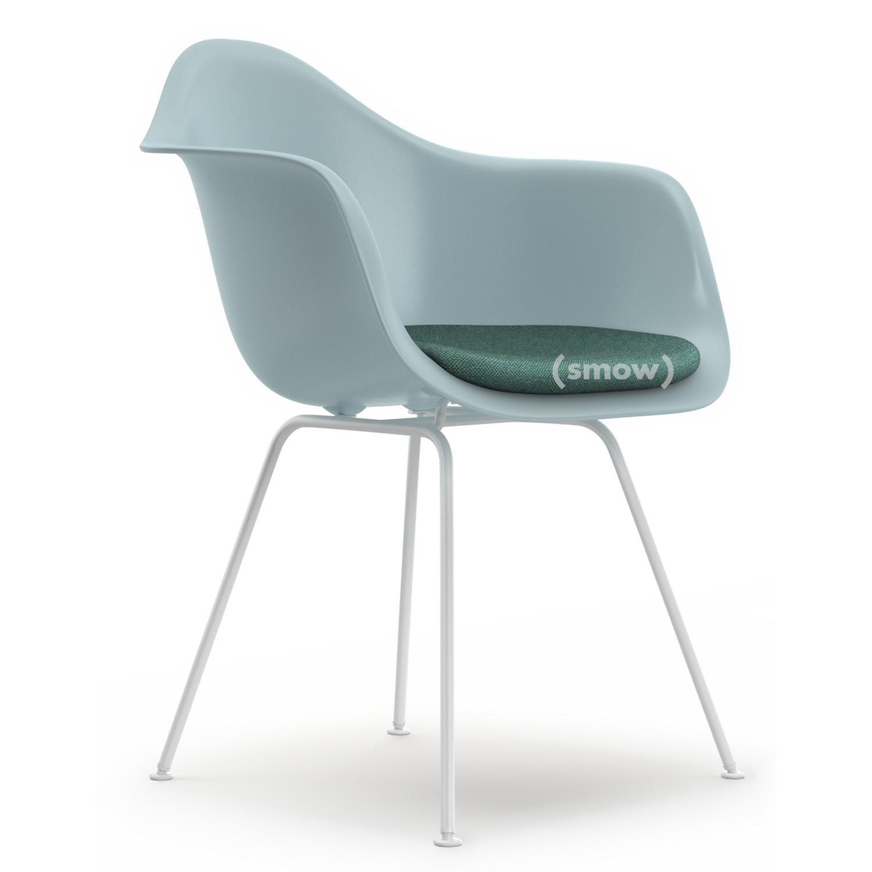Vitra Dax Eisgrau Mit Sitzpolster Eisblau Elfenbein Standardhohe 43 Cm Beschichtet Weiss Von Charles Ray Eames 1950 Designermobel Von Smow De
