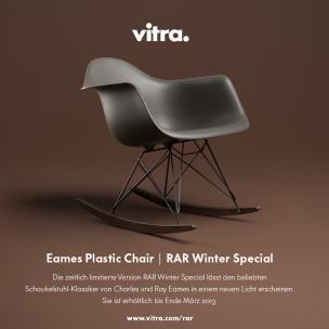 Vitra Bringt Auch Immer Wieder Editionen Der Eames Klassiker Auf Den Markt.  So Die Vitra Schaukelstuhl RAR Winter Edition.
