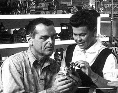 hang it all designers charles and ray eames. Black Bedroom Furniture Sets. Home Design Ideas